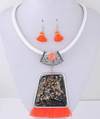 Set Kalung & Anting TAF6E8