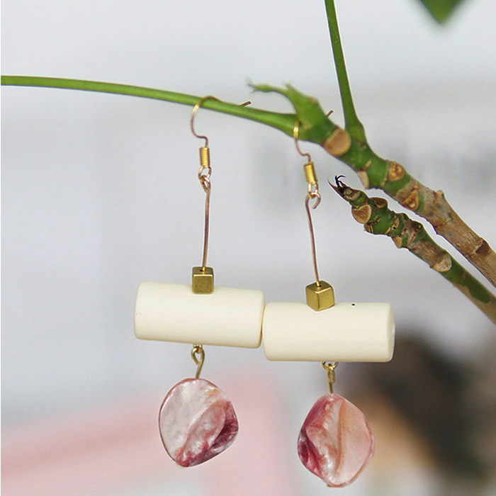 Anting Round Tube Shell earrings  BE4018