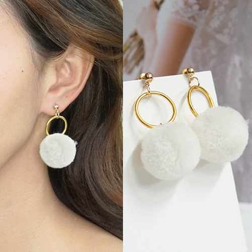 Round PomPom earrings BE4027
