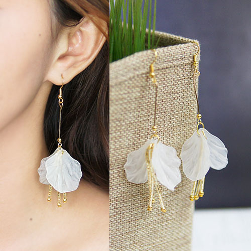 Acrylic Shell earrings BE4030