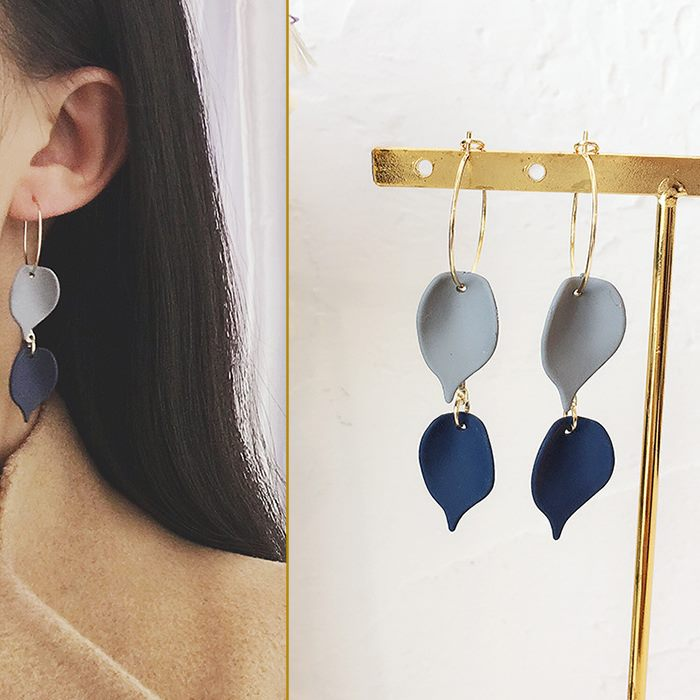 Anting Leaves rubber earrings DES204