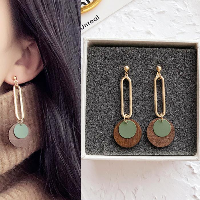 Anting Circle copper hollow wood earrings DES207