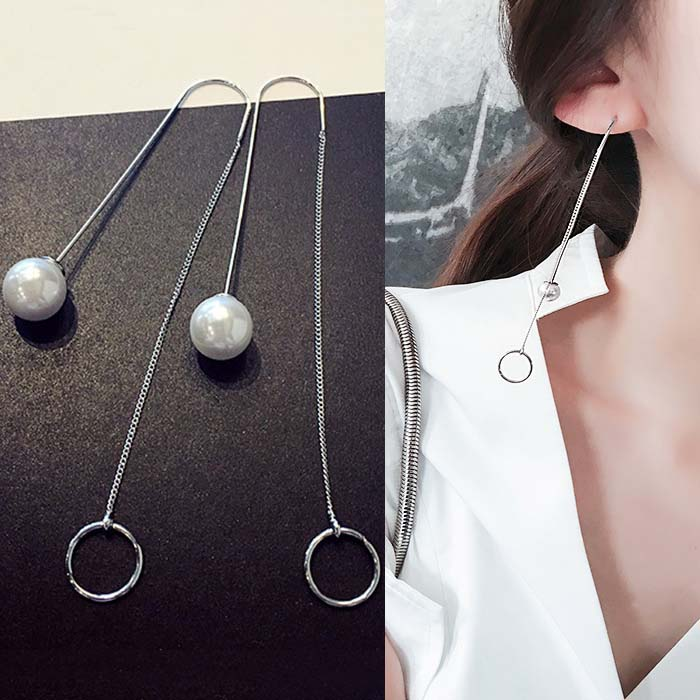 Anting Minimalist round hollow pearl earrings DES213