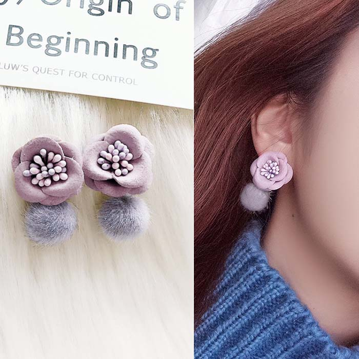 Anting Flower velvet ball earrings DES219