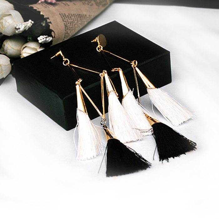 Anting Multicolor silk thread earrings DES300