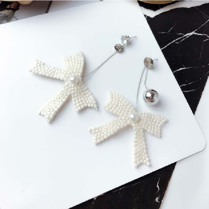 Anting Bow fringed earrings DES807