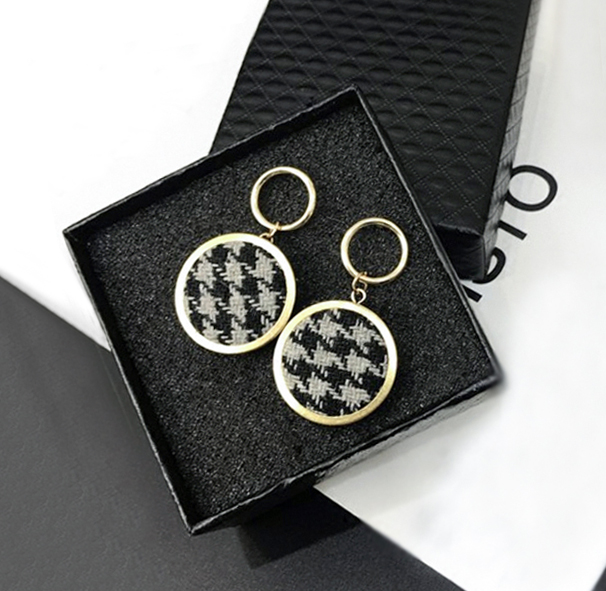 Anting Circle lattice fabric earrings J4U624