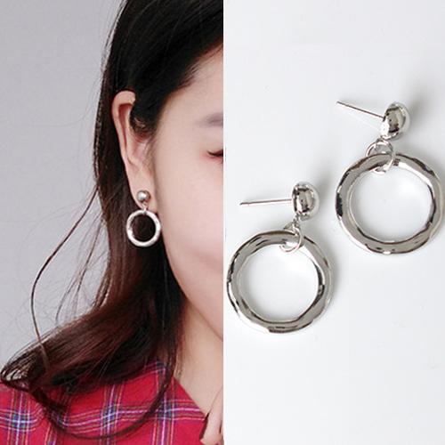 Irregular circle geometric earrings J4U891