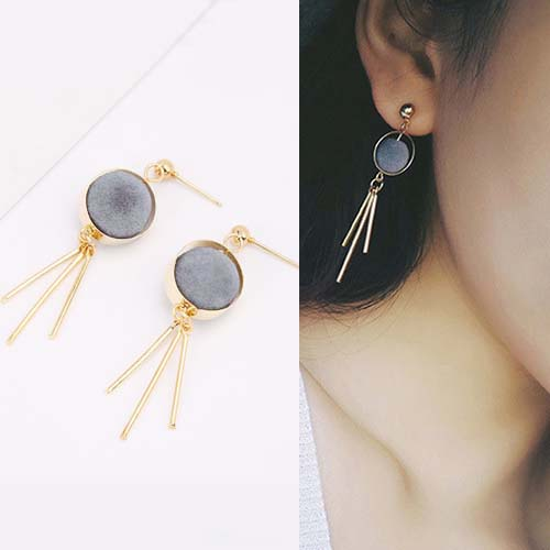 Anting Round PomPom earrings OKT088