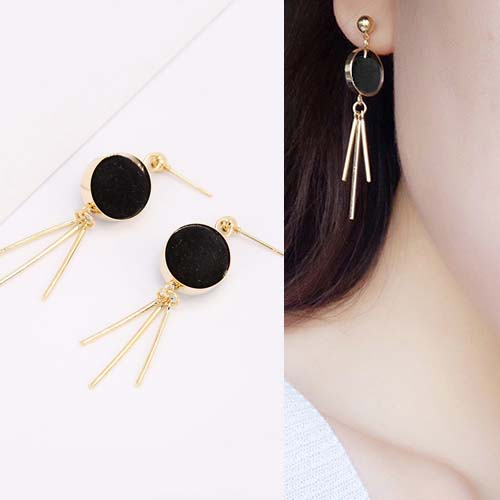Anting Round PomPom earrings OKT090