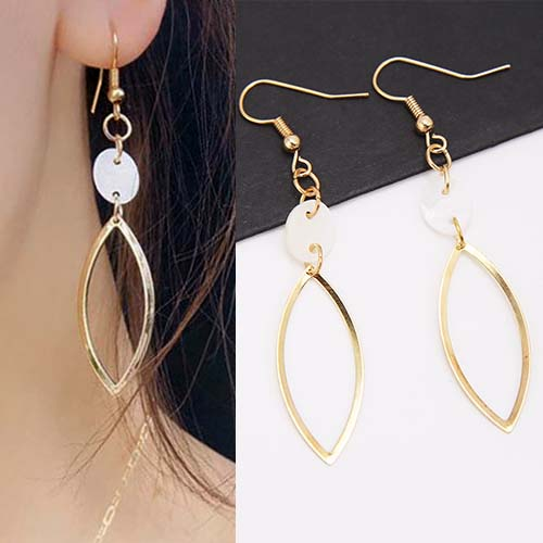Anting White shellfish elipse earrings OKT091