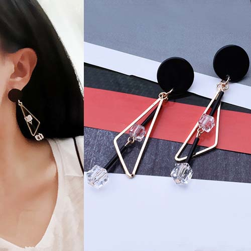 Anting Triangular irregular shape crystal long earrings OKT209