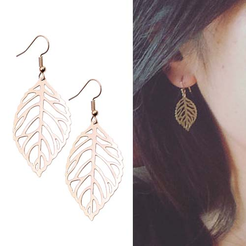 Anting Retro hollow leaves short earrings OKT215