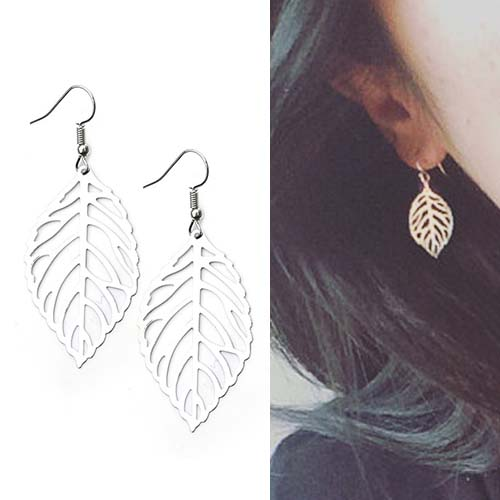 Anting Retro hollow leaves short earrings OKT216
