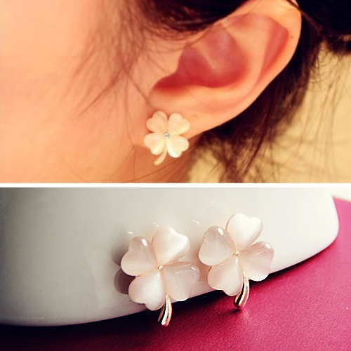 Four Leaf Flower ear clip no needle OKT300