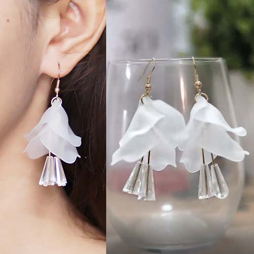 Flower petals diamond earring S3P108