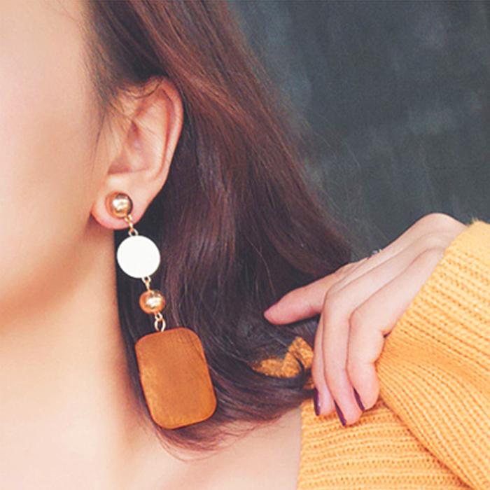 retro long wood earrings AP5019