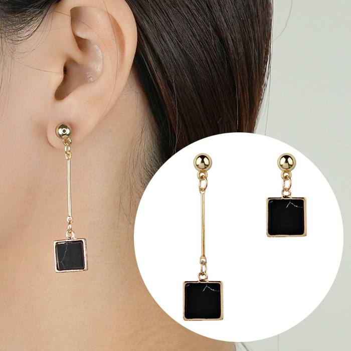 Anting Earrings Triangle Turquoise Asymmetrical AP2443