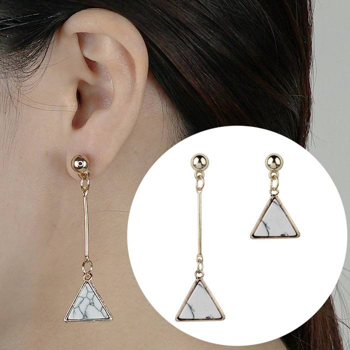 Anting Earrings Triangle Turquoise Asymmetrical AP2446