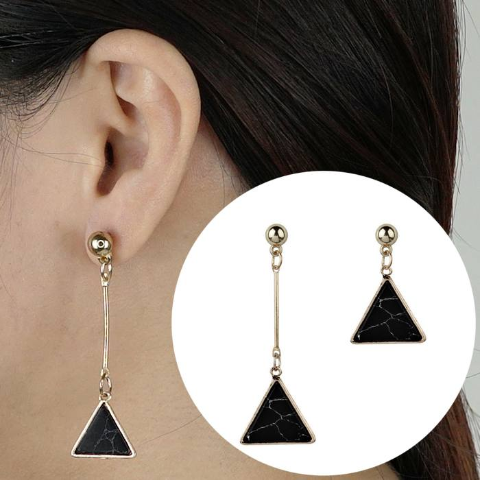 Anting Earrings Triangle Turquoise Asymmetrical AP2447