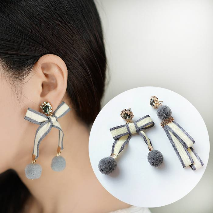 Anting Hair Ball Bow Earings Ear Clip  AP2448