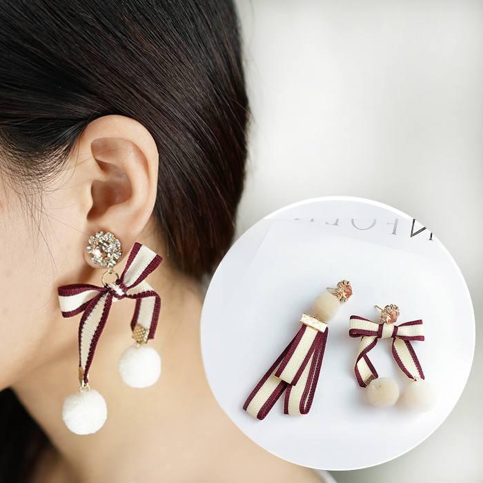 Anting Hair Ball Bow Earings Ear Clip  AP2449