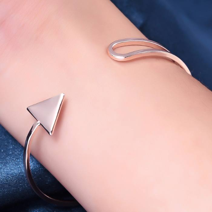 Gelang Korea triangle arrow bracelet AP3246