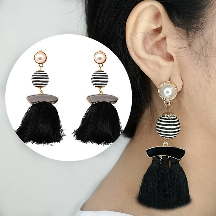Anting Tassel Earrings Ball Diamond Hooks AP3484