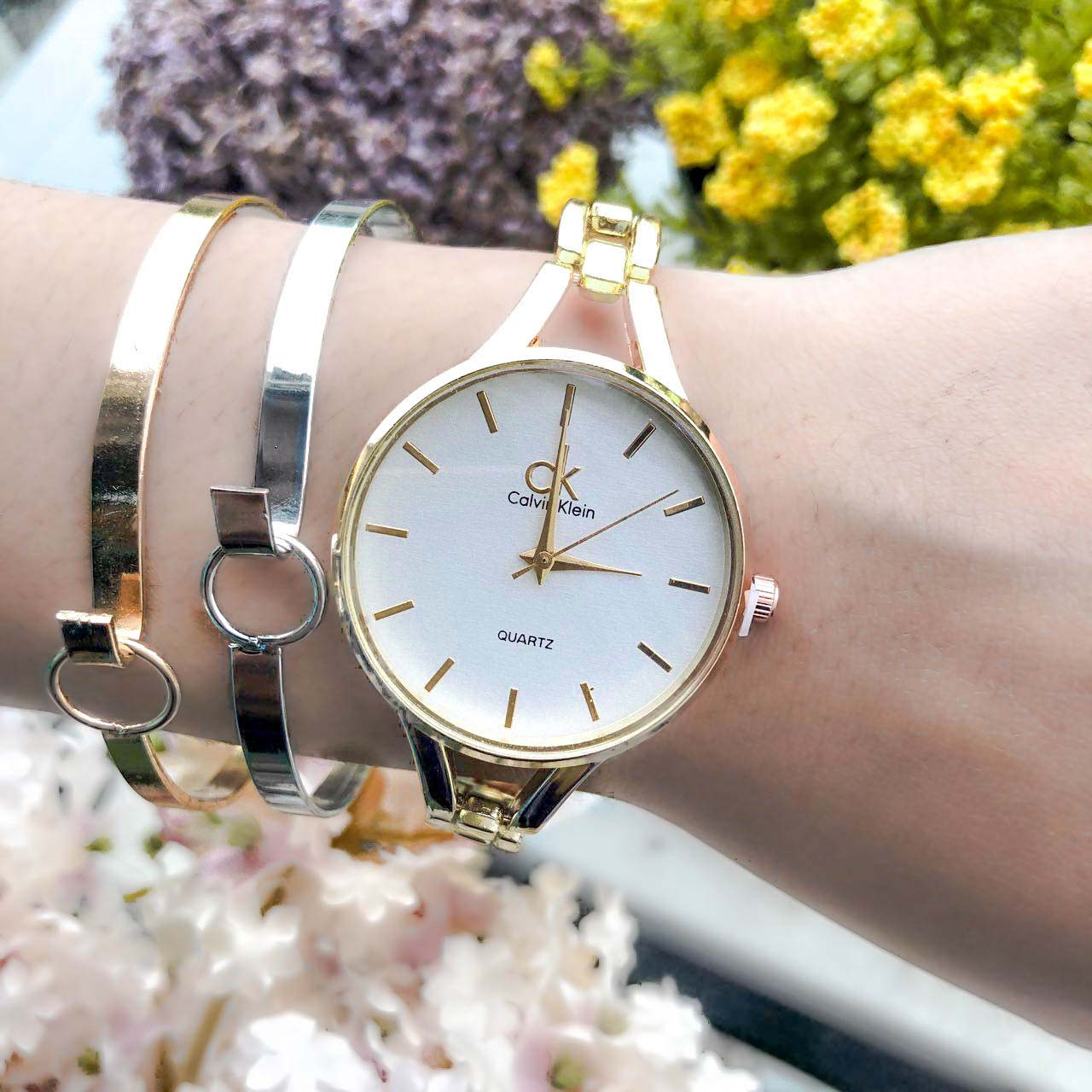 Jam Tangan CK Fashion Watch Chain Gold Frame+Gold Dial+Ivory Background+Gold Band CKCW05