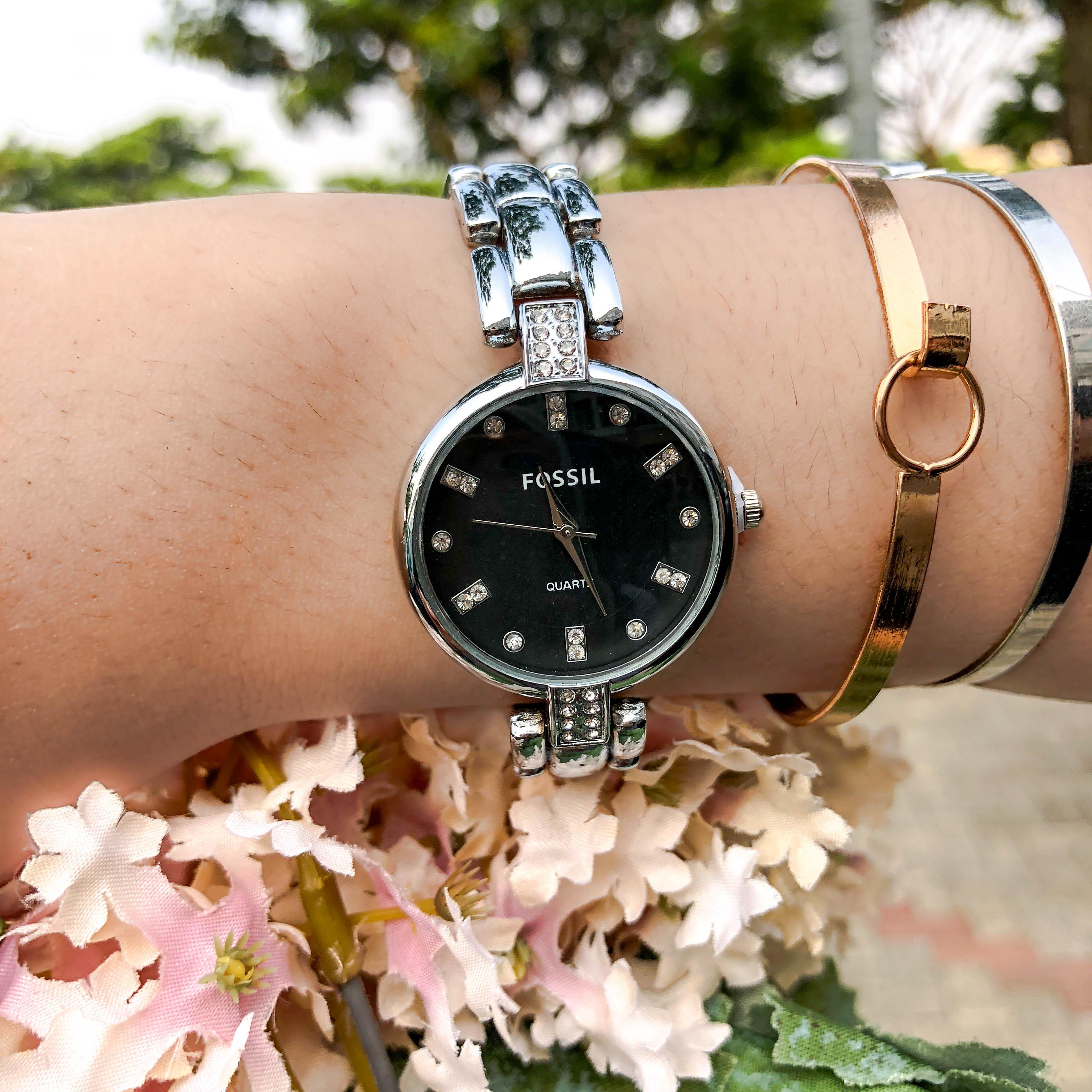 Jam Tangan Fos Fashion Watch Chain Silver Frame Silver Dial Black Background Silver Band FOSC01