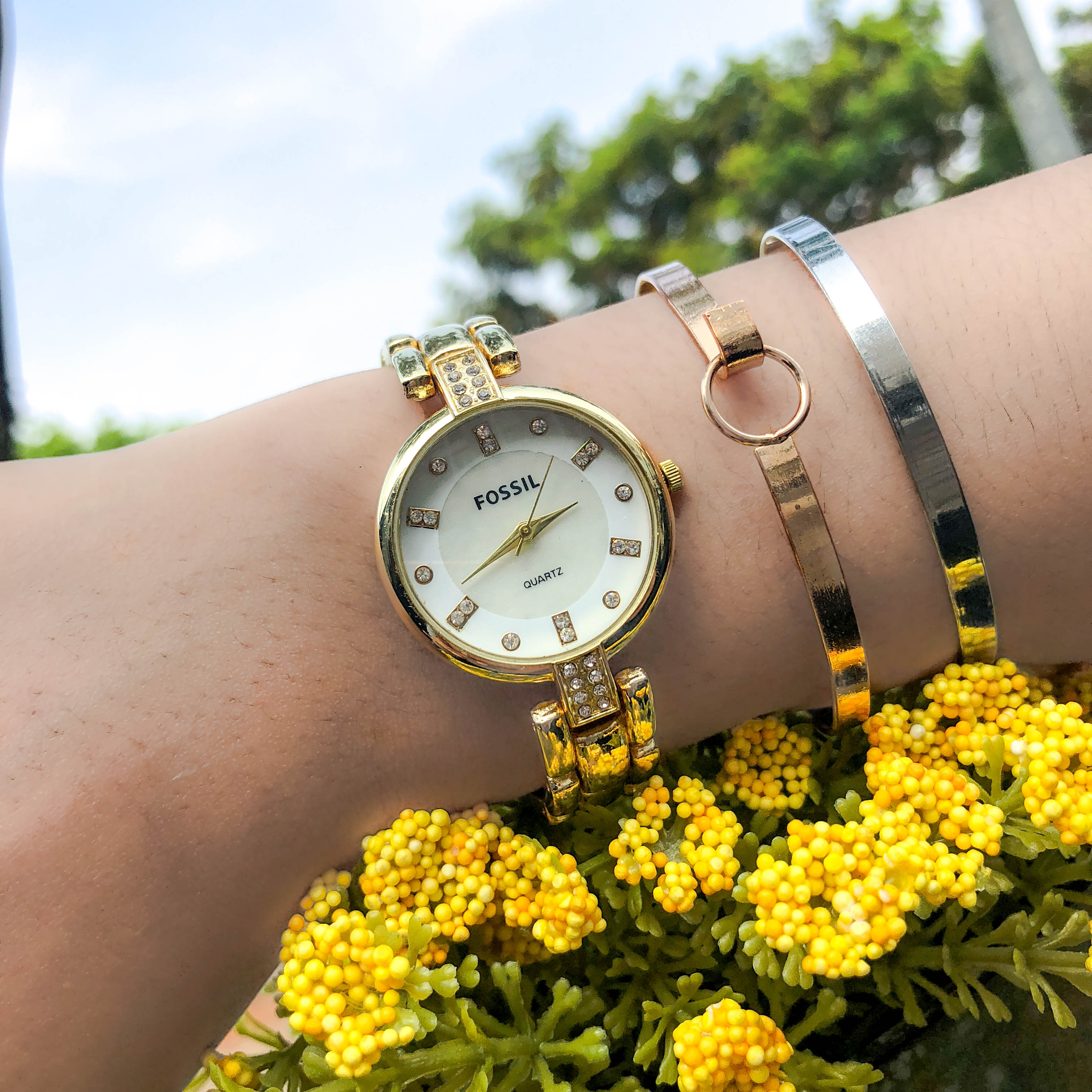 Jam Tangan Fos Fashion Watch Chain Gold Frame Gold Dial Gold Band FOSC03
