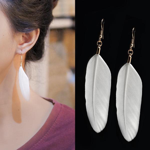 Anting Bohemian minimalist feather earrings J41001