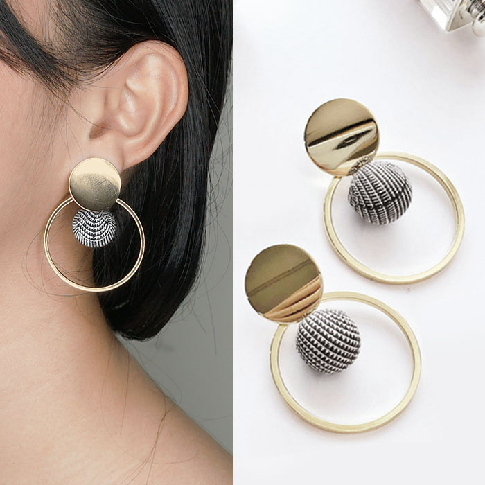 Anting Round hollow ball fabric earrings J4I217