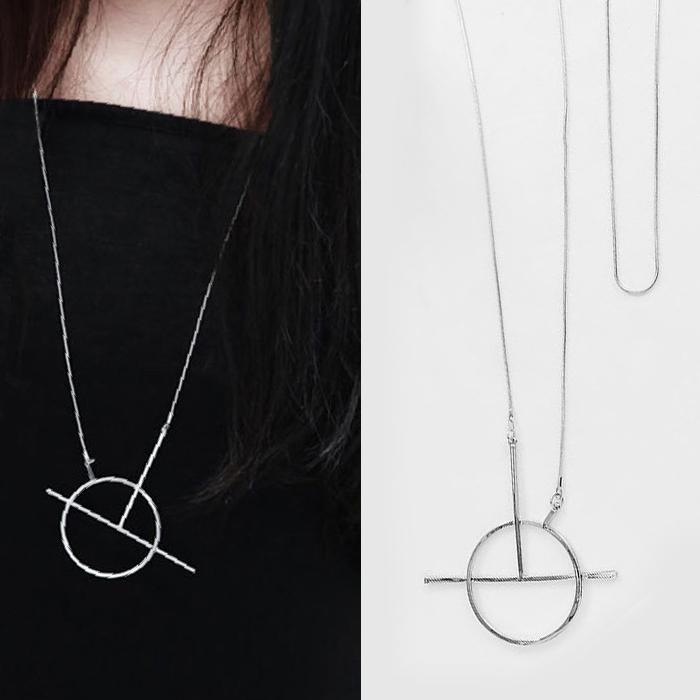 Kalung Minimalist geometric round strip necklace J4U447
