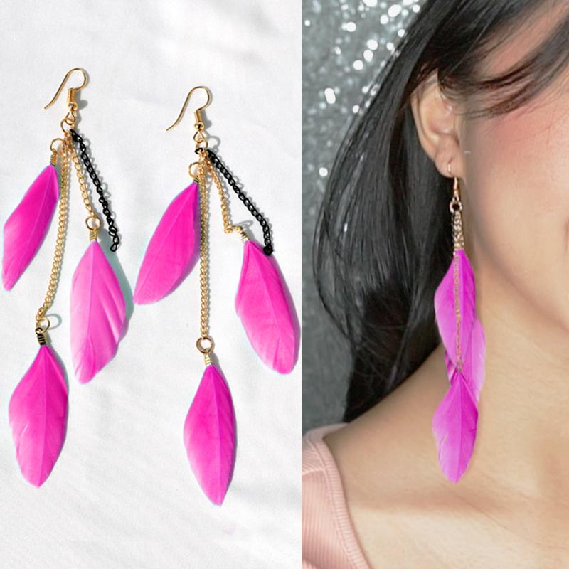 Multi colored feather earrings J4U662
