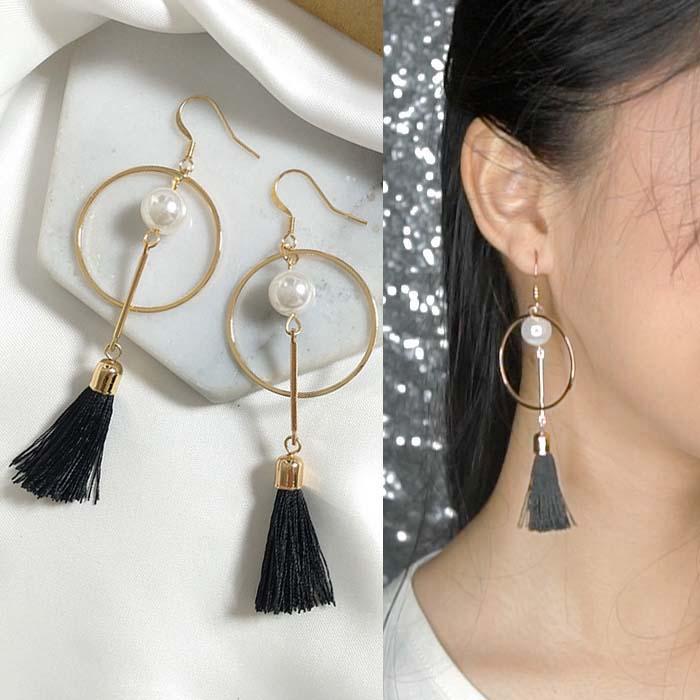Anting Round pearl tassel earrings J4U743
