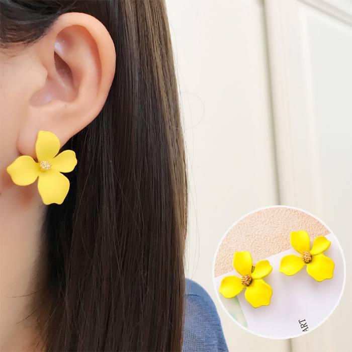 Anting Korea Daisy Petals Earrings MAR015
