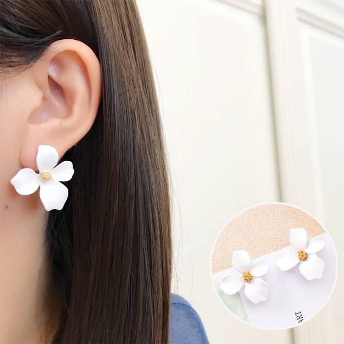 Anting Korea Daisy Petals Earrings MAR016