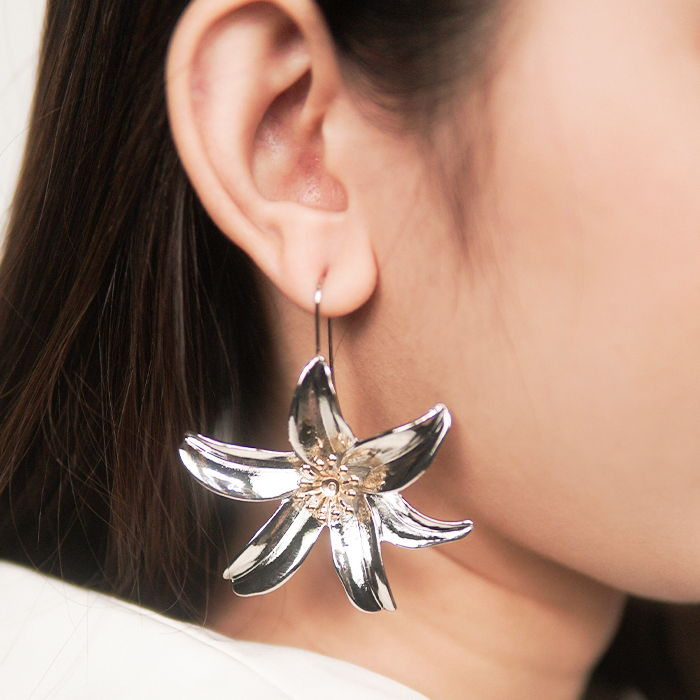 Anting Earring personality  European and American fashion alloy lily  AG6024