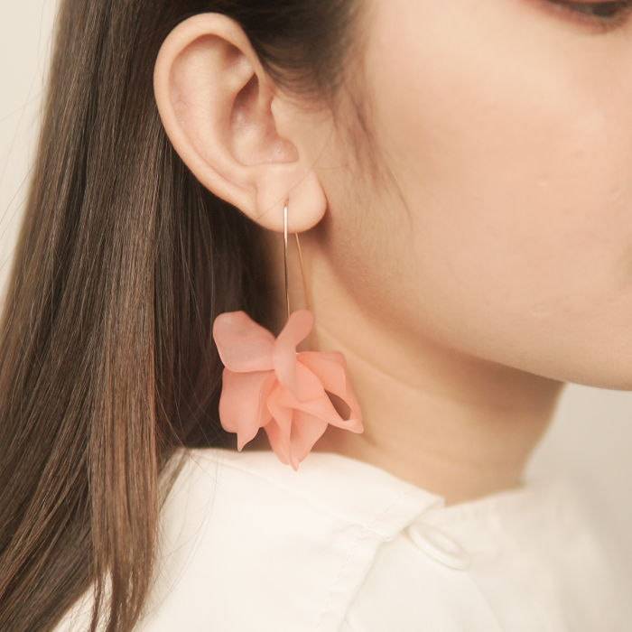 Anting flower earrings Korean style sweet and wild creative flower color peach AG6069
