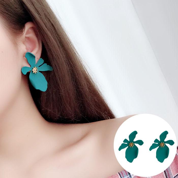 Korean version of daisy petals earrings JUL561