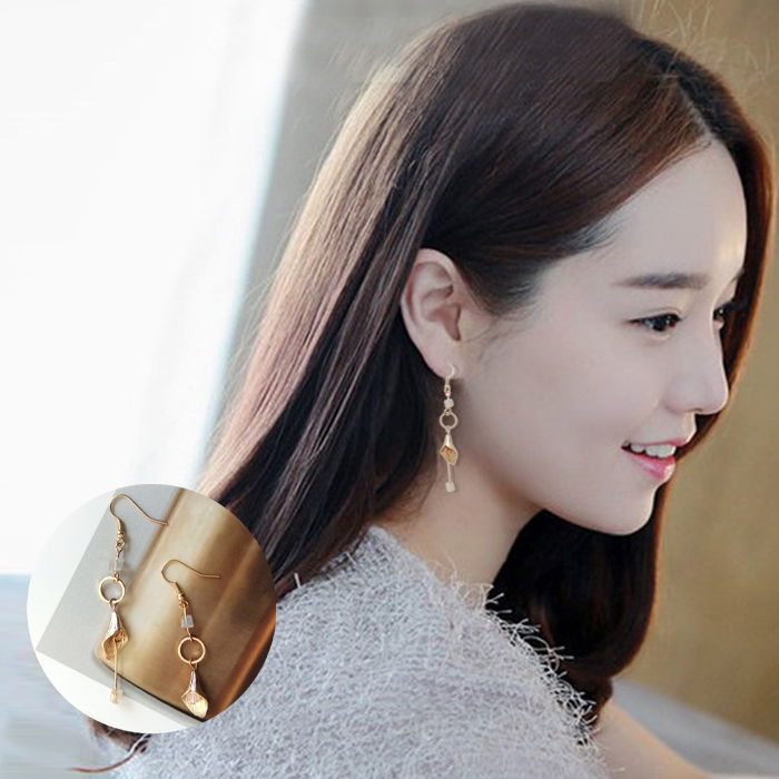 Anting Japan and South Korea personality  alloy earrings fashion simple crystal tassel long paragraph earless JUL595