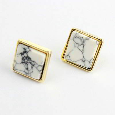 Anting Tusuk RA8AAB