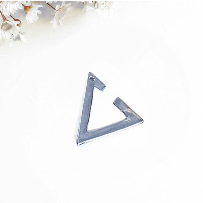 Anting Silver Triangular Clip Earrings harga 1pcs No Needle ANTI05