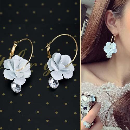 minimalist flower earrings JUN100