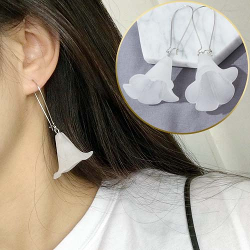 Anting minimalist transparent stereoscopic trumpet earrings JUN109
