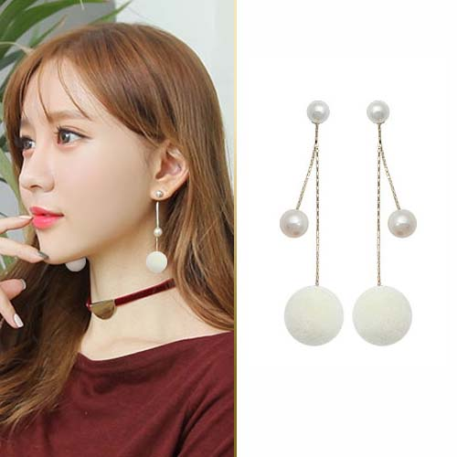 Fur PomPom pearl ball earrings JUN220