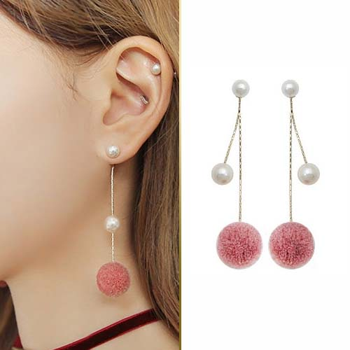Fur PomPom pearl ball earrings JUN221