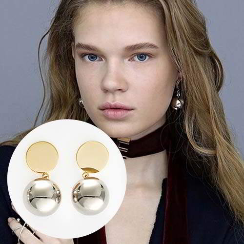 Anting Dior Gold round pearl pendant earrings REA440