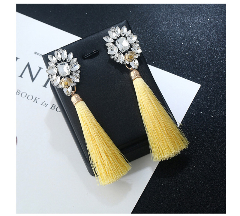 Anting Tusuk P67F8C
